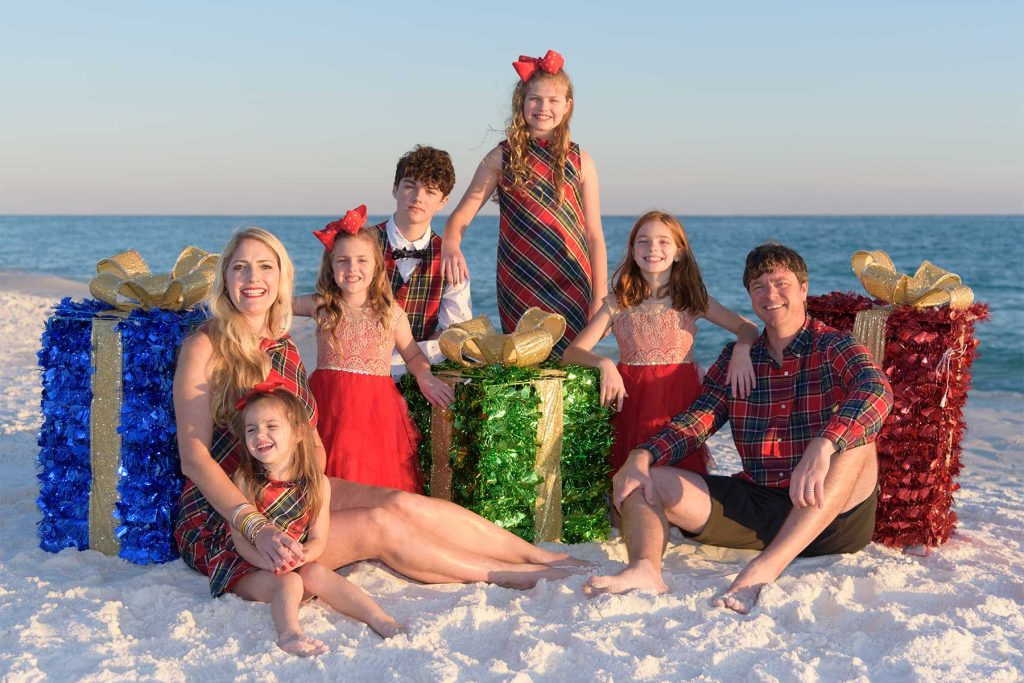 Family holiday beach photo with kids